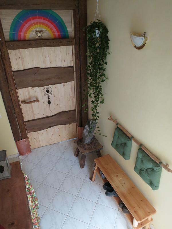 wildholzgarderobe. Black Bedroom Furniture Sets. Home Design Ideas