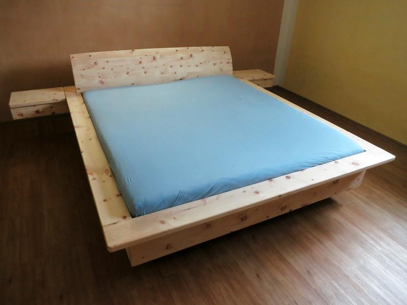 schwebendes zirbenbett. Black Bedroom Furniture Sets. Home Design Ideas